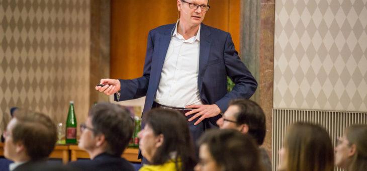"""Klaus Wertenbroch beim VBEN: """"Wir tun unbewusst dumme Dinge, die uns schaden."""""""